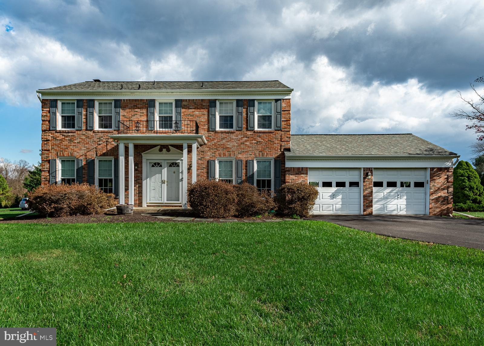 Nestled in the small subdivision of 23 homes of Wesly Hills in Clarksville on a sloping knoll, is th