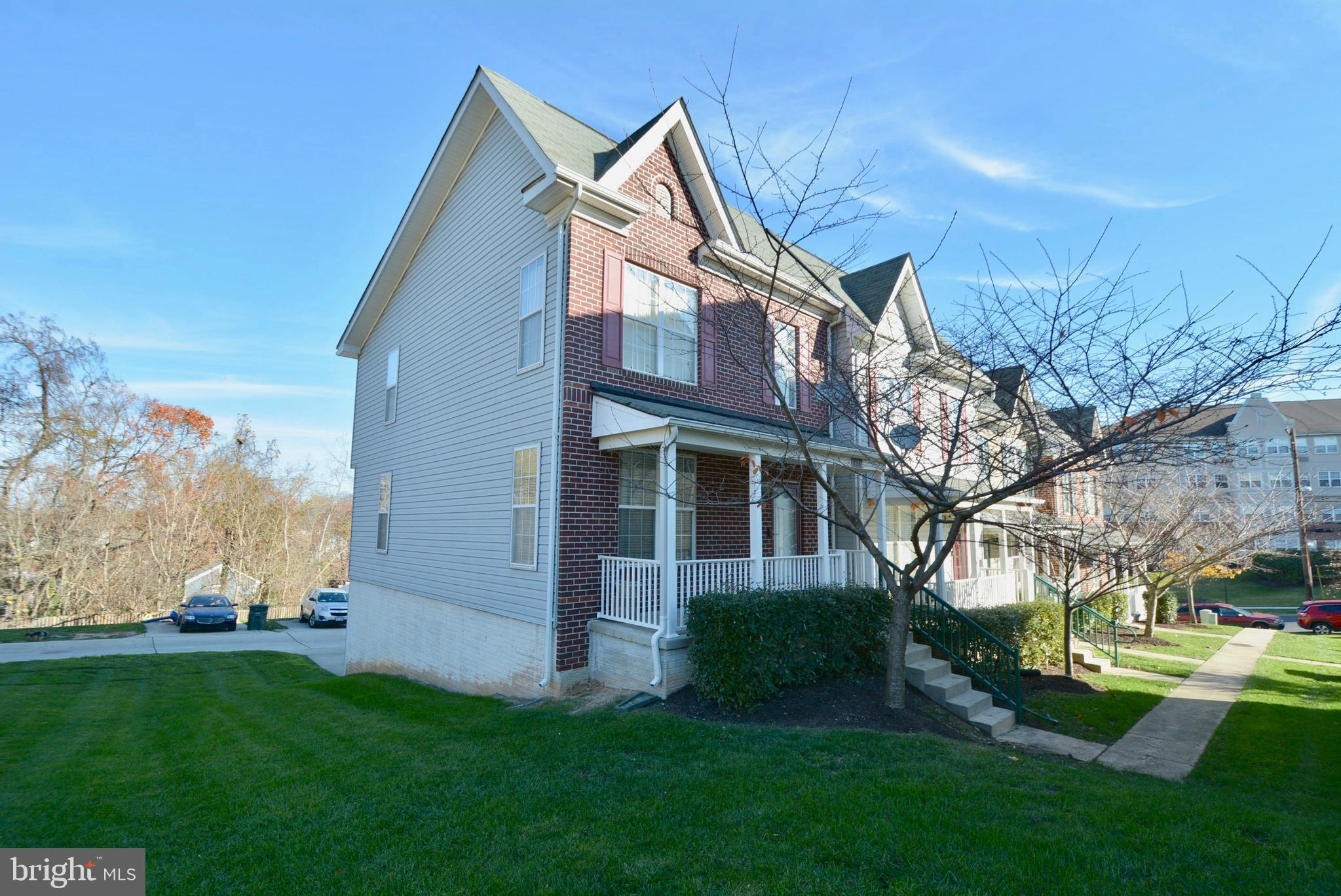 Absolutely gorgeous End Unit Townhome in Capital Gateway!  Recently renovated with fresh paint, refi
