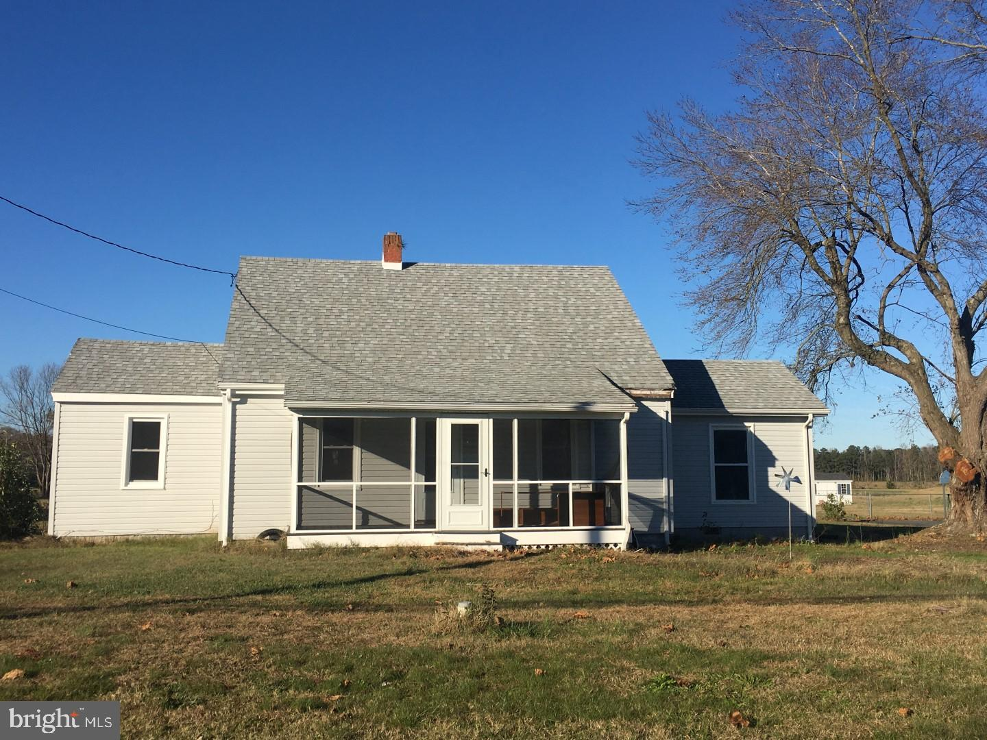 Country Ranch House w/Detached Garage and 3 BR/2BA on almost 2 acres - NEWER (2-5yrs) ROOF/VINYL SID