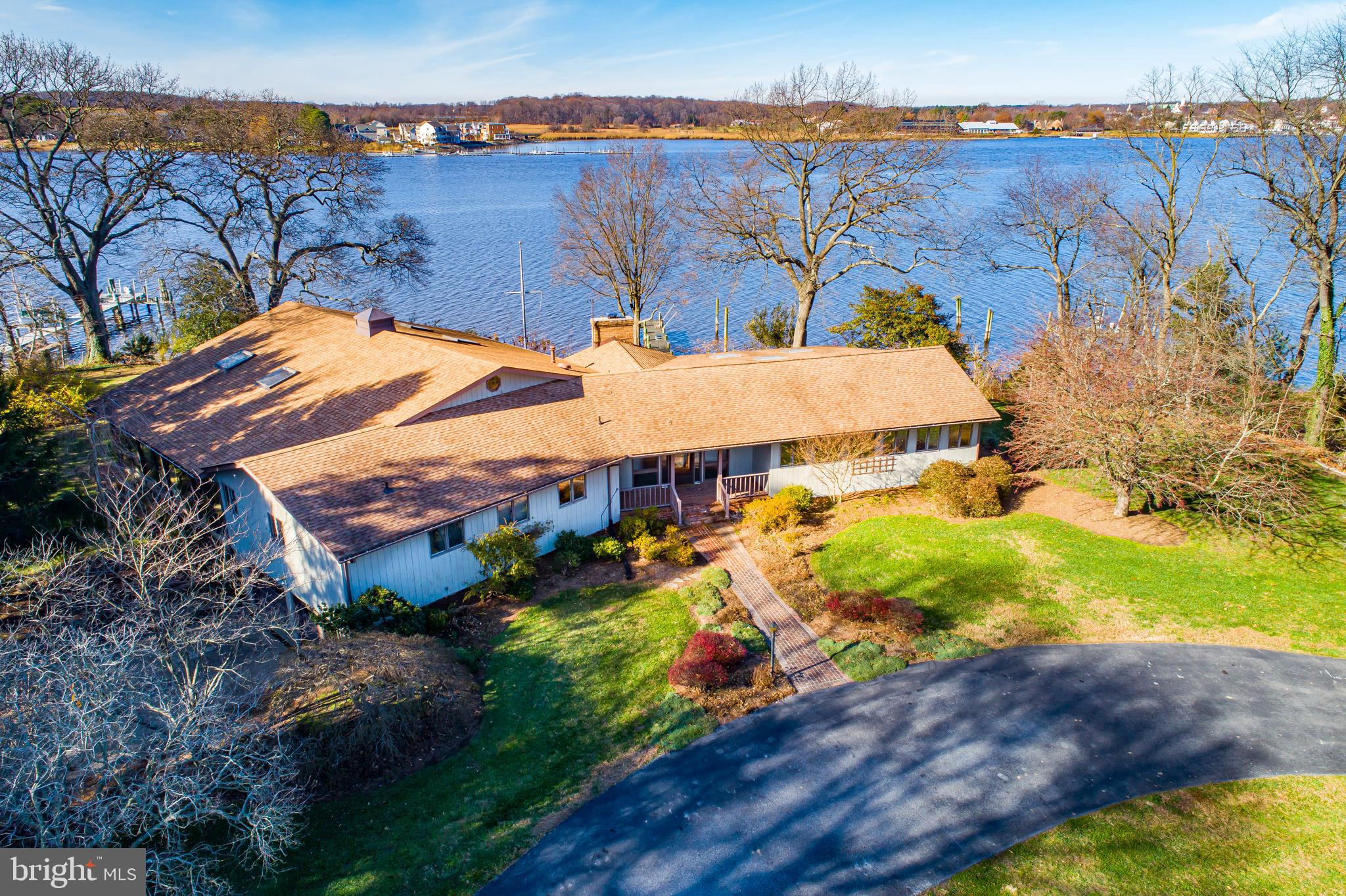 Remarkable property on the Queen Anne's County side of  the Chester River!! Sprawling rancher with s