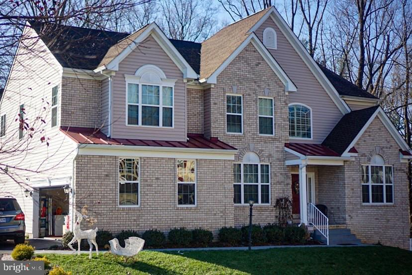 WELCOME HOME TO  10715 ON THE END OF JORDANS DR, SITTING ON A HALF ACRE LOT.  LOCATED IN THE WELL SO