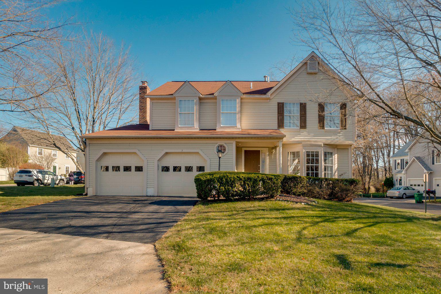 Welcome to 3 Quantum Lane - a grand colonial home located in the Saybrooke community of Gaithersburg