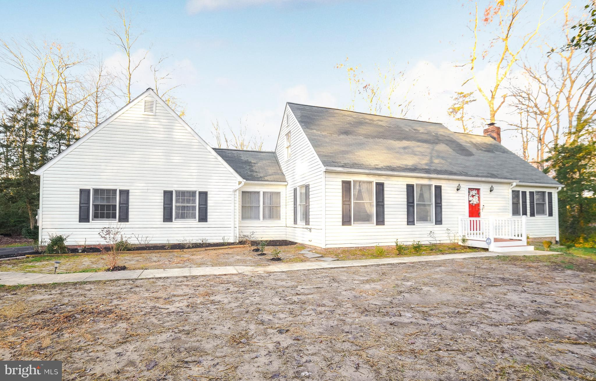 Beautiful 4 bed 3 full bath Cape Cod home in the Wildewood community. Enjoy this large corner lot co