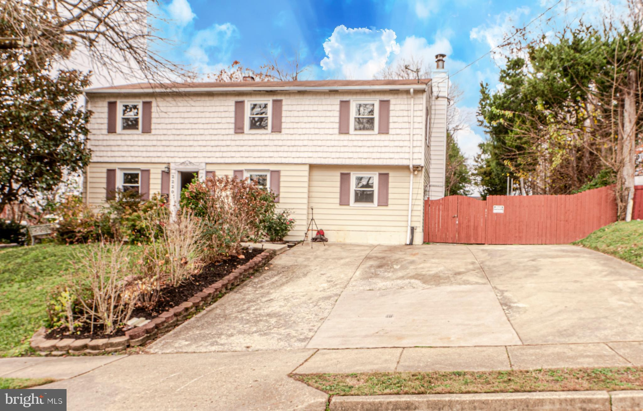 Welcome Home!!! Large colonial features 4 bedrooms 4 full baths with two additional bonus rooms.  En