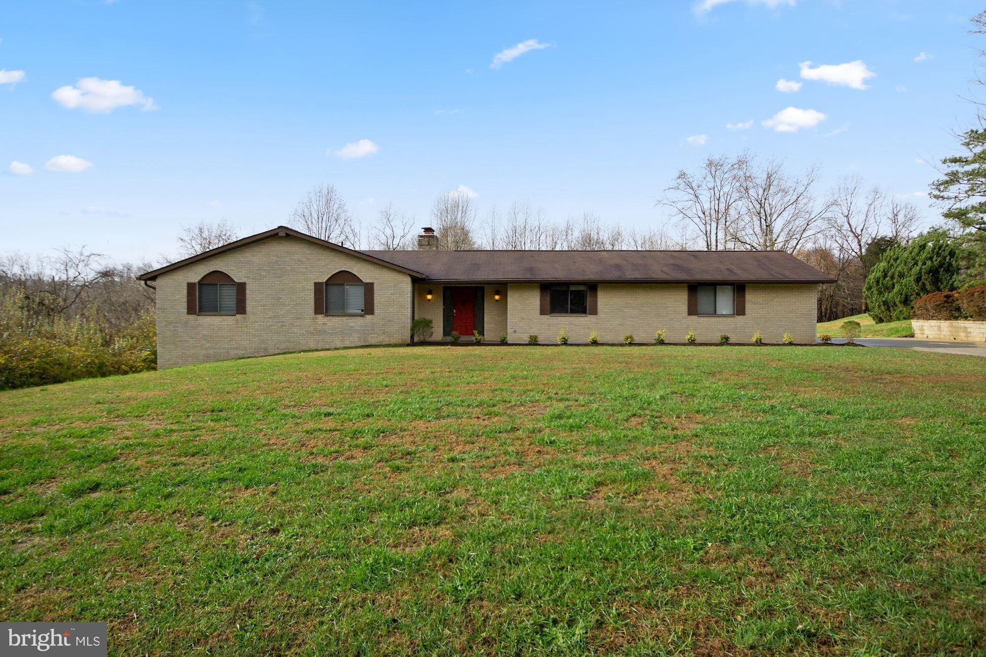 Immaculate updated Rambler 3-4 large BR w 3 full spacious baths on 1 acre lot. MBR with full ensuite