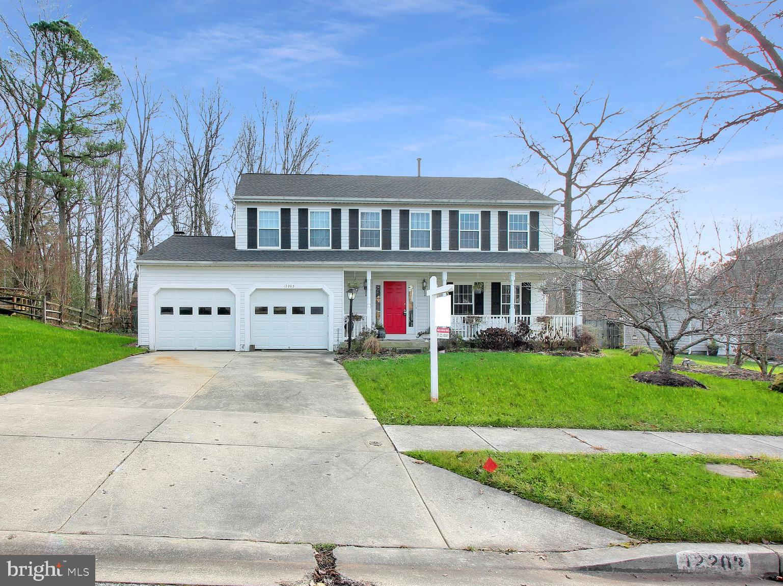 Beautiful colonial 4 bedroom, 2.5 bath, and 2 car garage home in Springfield Manor.  Perfectly propo