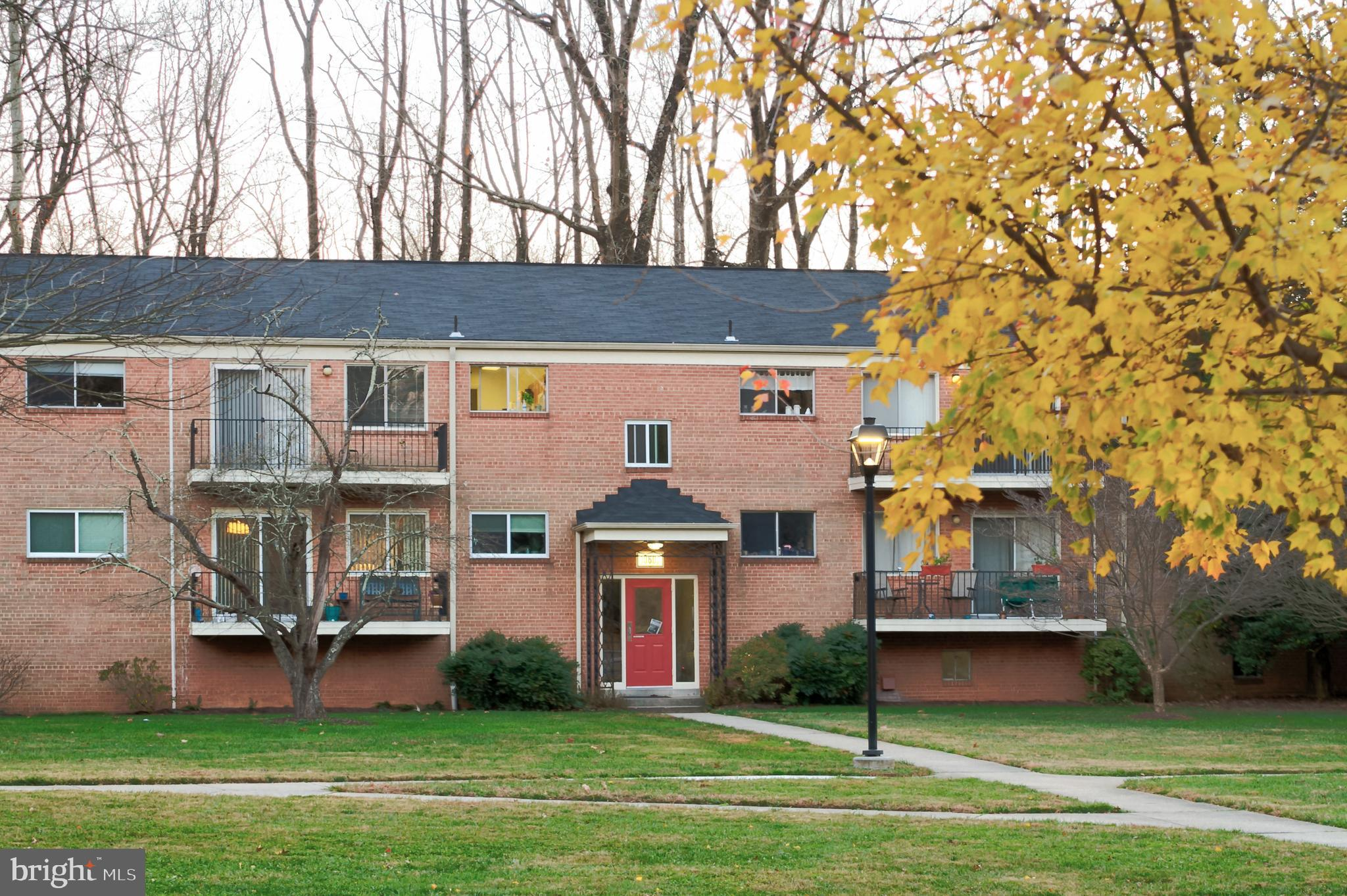 """Great location!   Metro  at your feet.   Walk to  """"Strathmore"""" .   Maryland's pride and Joy Center."""