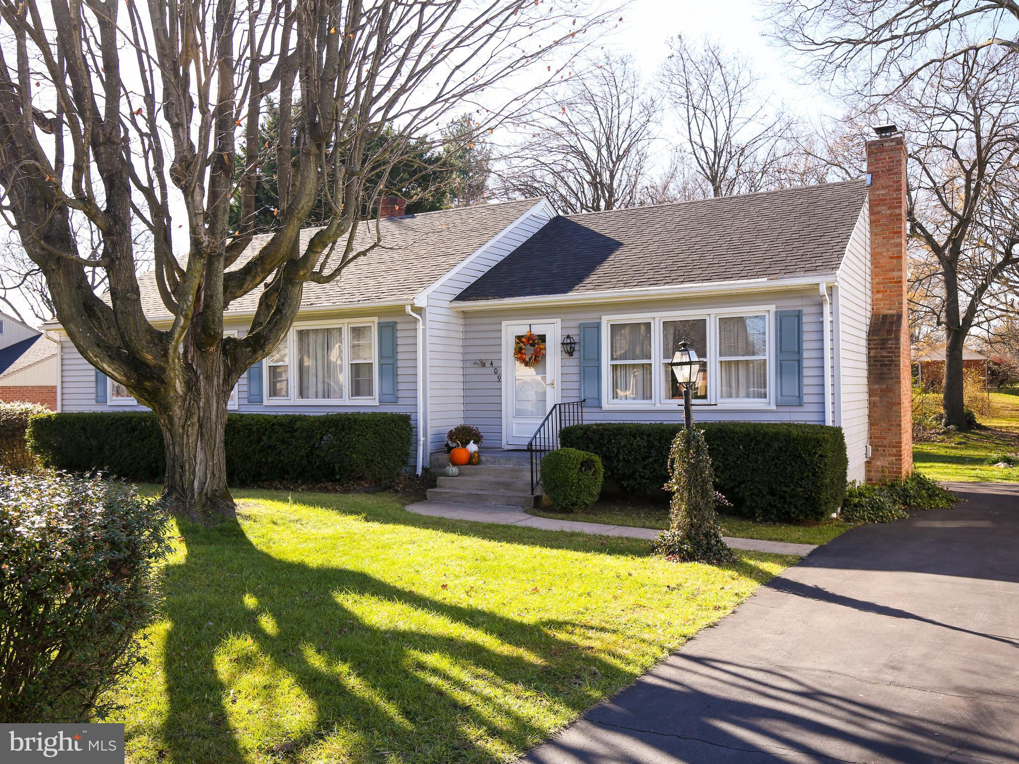 Don't miss this timeless gem! Ranch home 3 bedroom 2 full bath with partially finished basement.  Ve