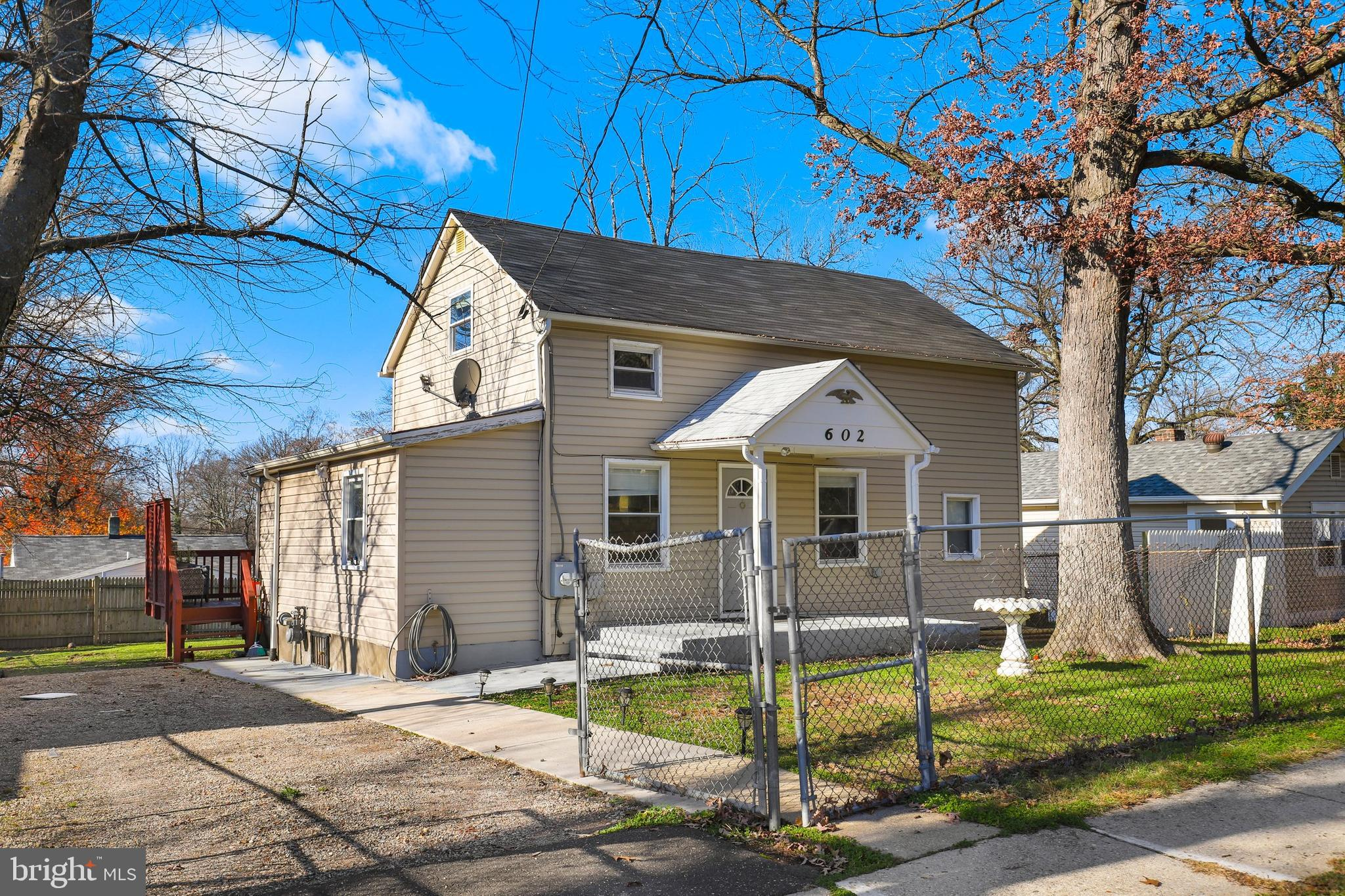 This charming 3 bedroom, 2.5 bathroom home was fully renovated in 2015 and has been well maintained