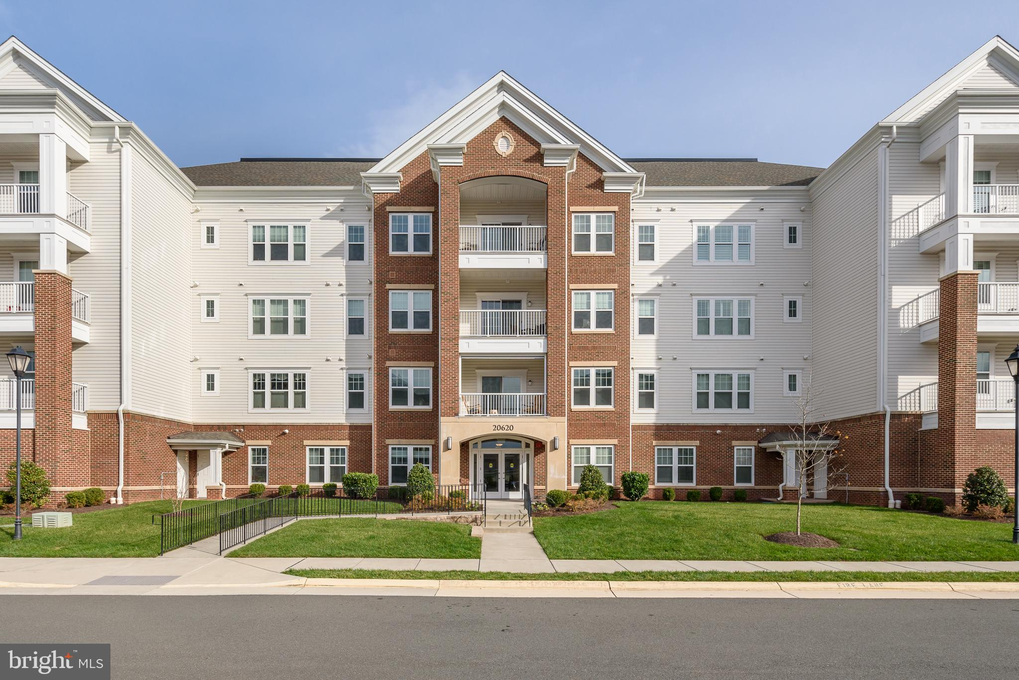 Spectacular home with views from every room in desirable Potomac Green. This 2 bedroom, 2 bath Daven
