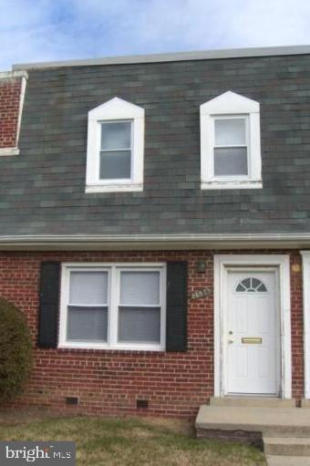 Cozy condo in Temple Hills, Maryland.  Being sold as is. Nice starter home for a first time home buy
