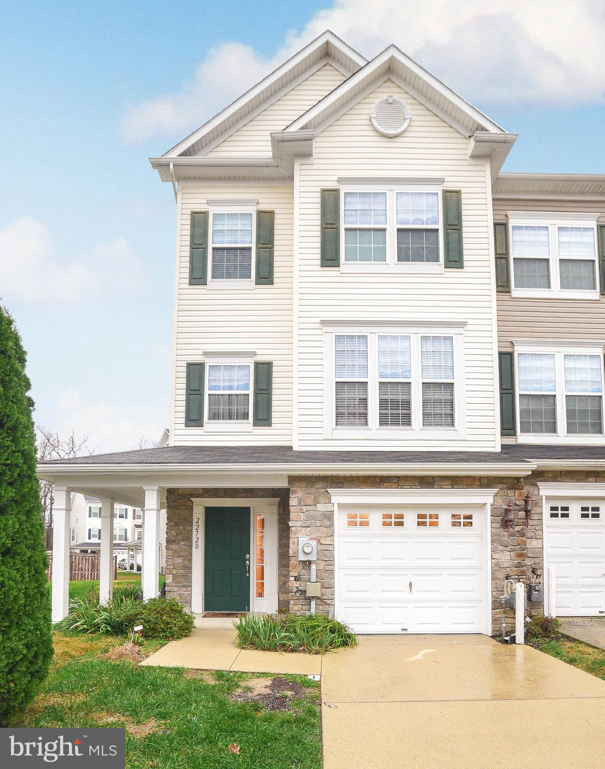 MOVE IN READY!!!! This end unit townhouse has everything you need.  New carpet, fresh paint through