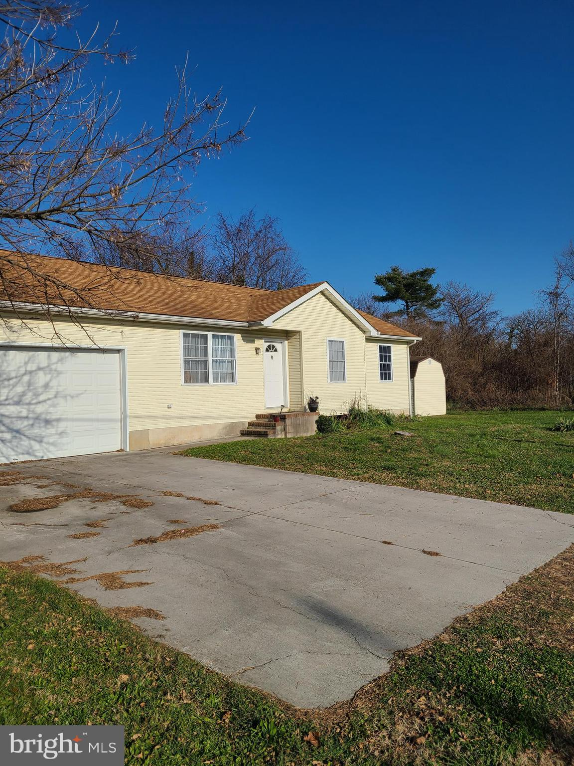 Major Price Reduction!! Sellers had this traditional rancher built in 1998.  This home is waiting fo