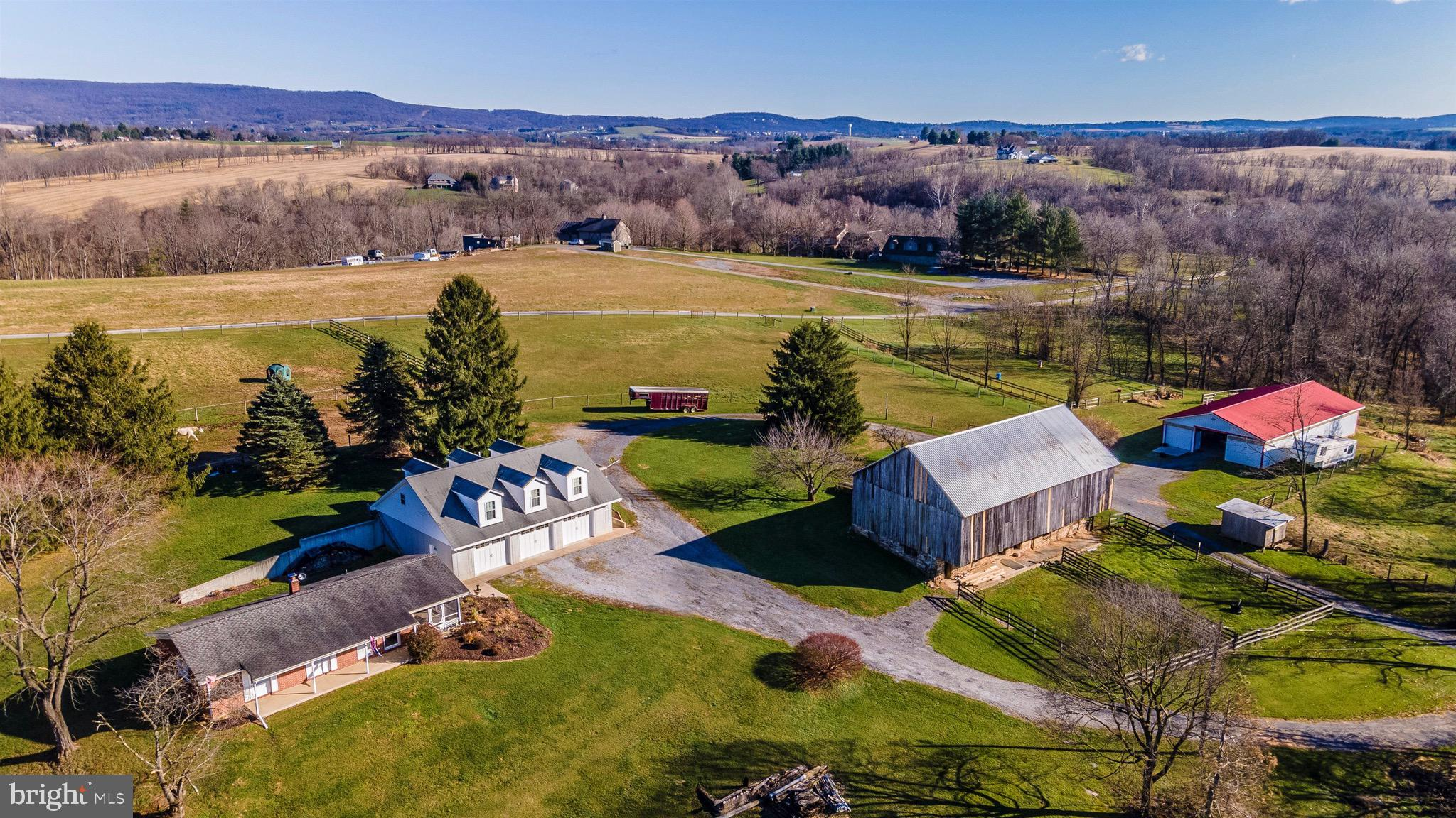 Everything you need for you and your horses can be found on this picturesque 37+ acre farm with moun