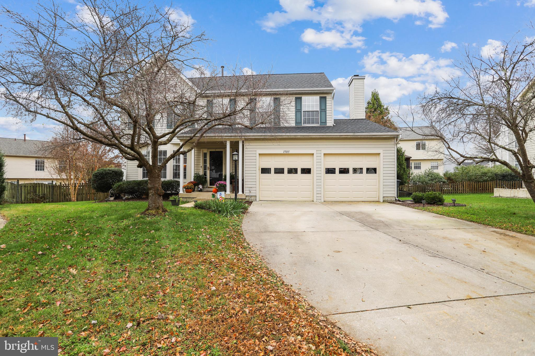 Welcome Home! This single family home in Chapman Farm has been meticulously maintained and sits on a