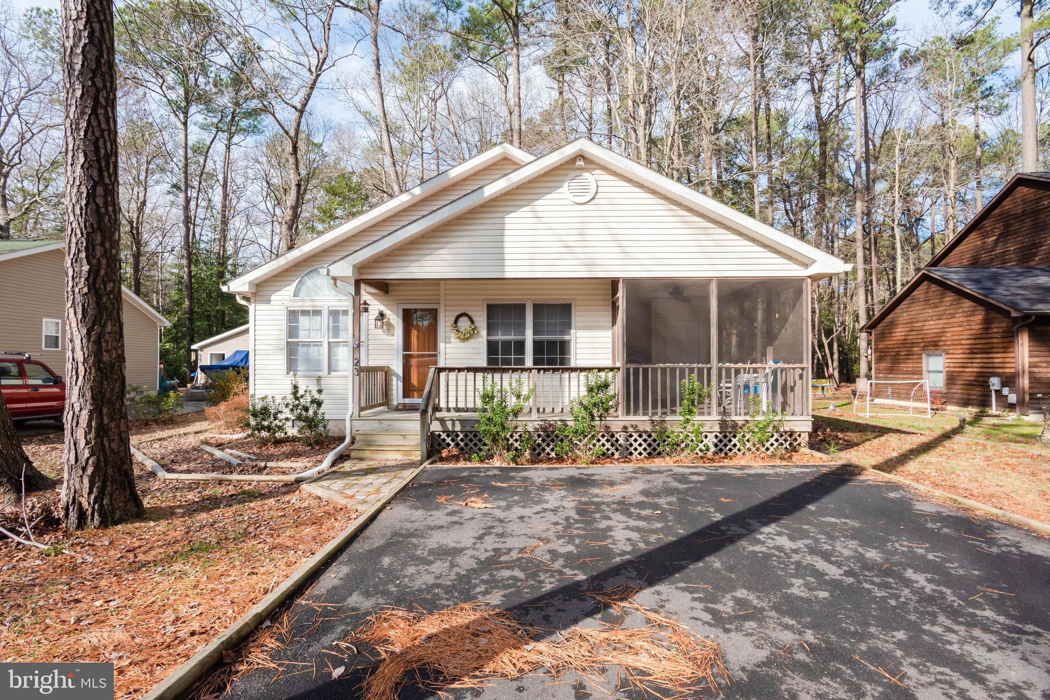 Charming Beach  Rancher ready to fulfill your 2021 Dreams!   Central location in Ocean Pines easy to