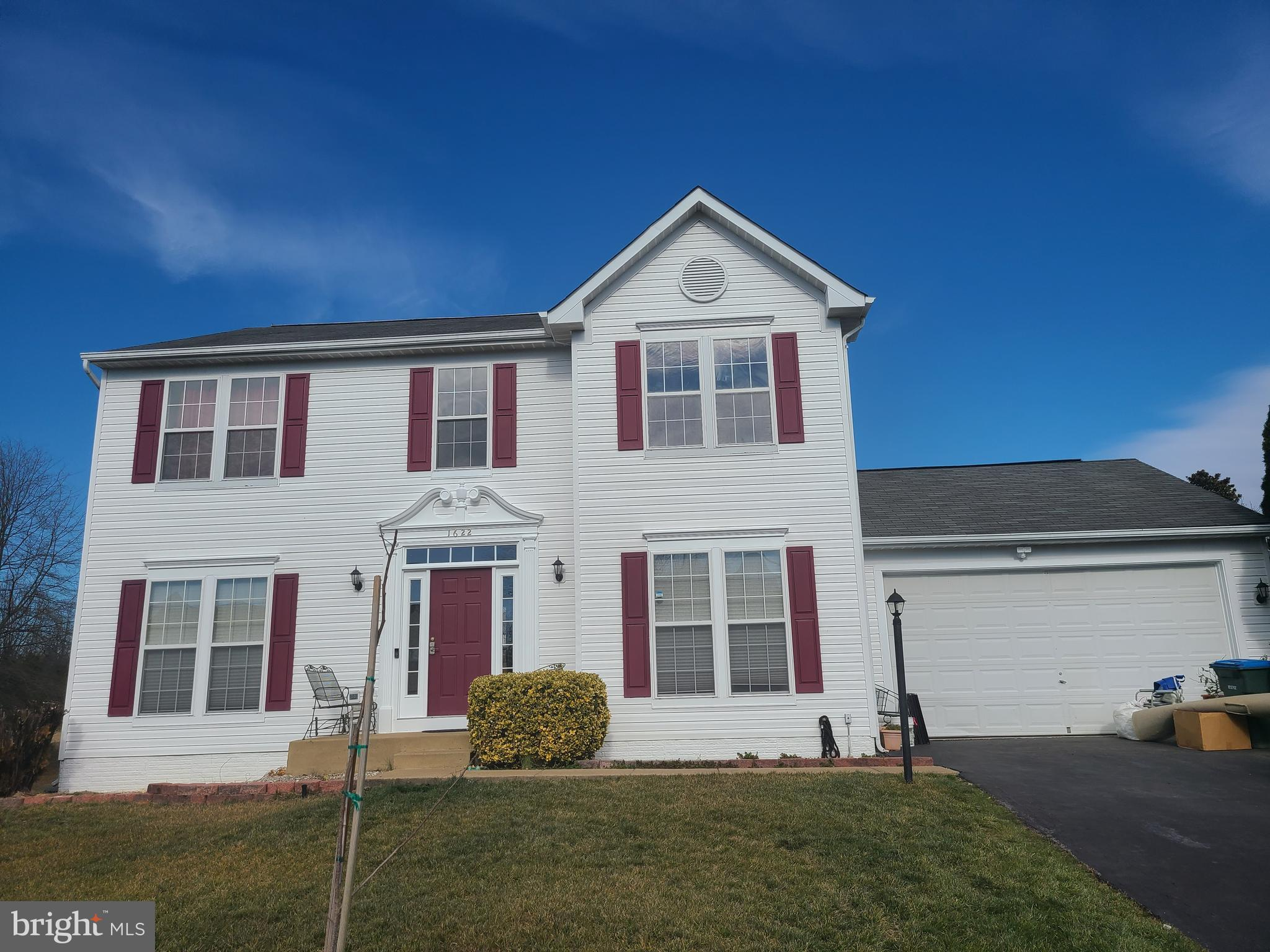 PROPERTY WILL BE BACK ON THE MARKET WHEN PAINTING WORK  DONE **HARD WOOD FLOORS ON ENTIRE MAIN  LEVE