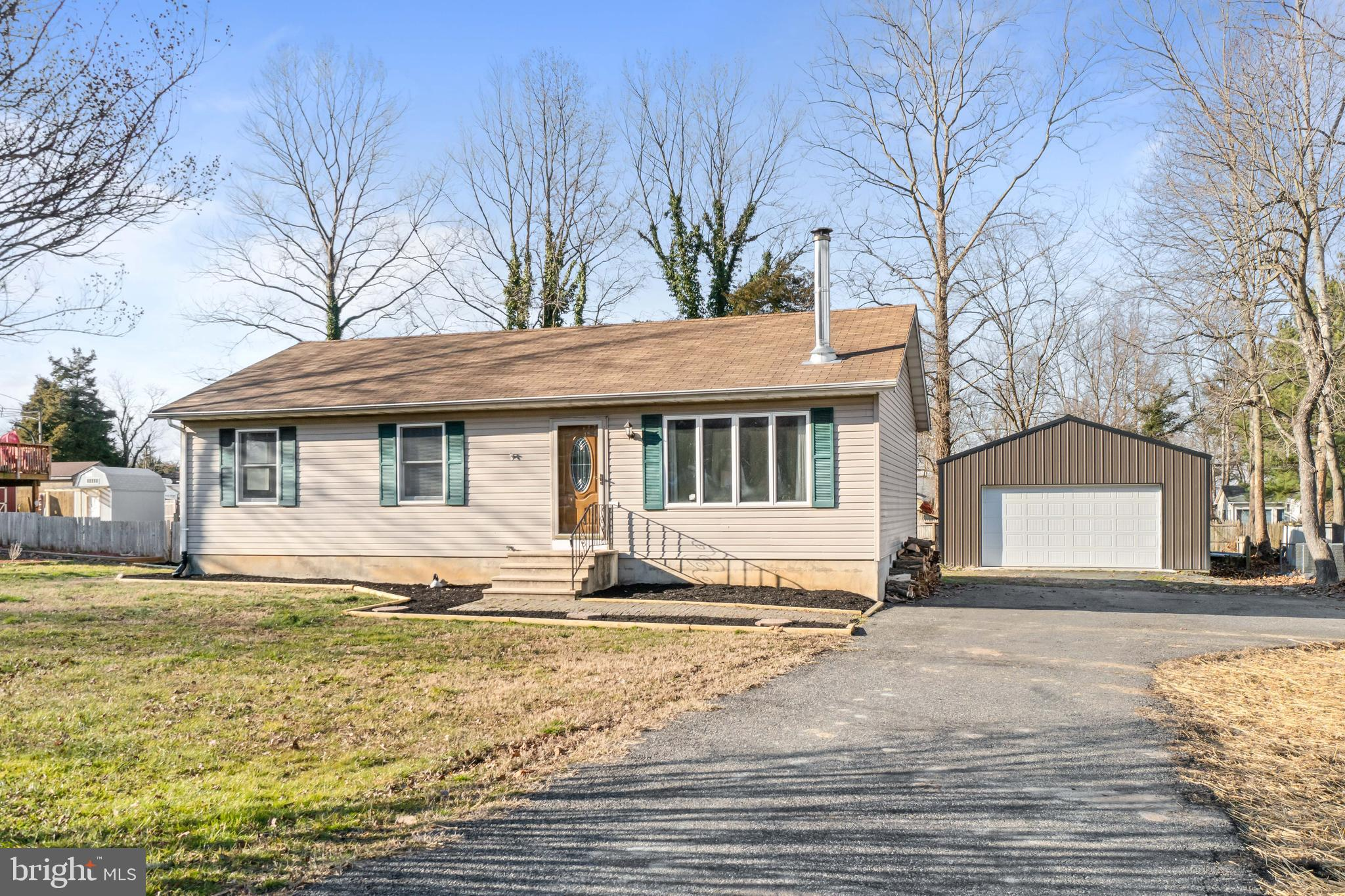 Welcome home to this  move in ready rancher in south Chesapeake City.  Large, fenced in yard and 24'