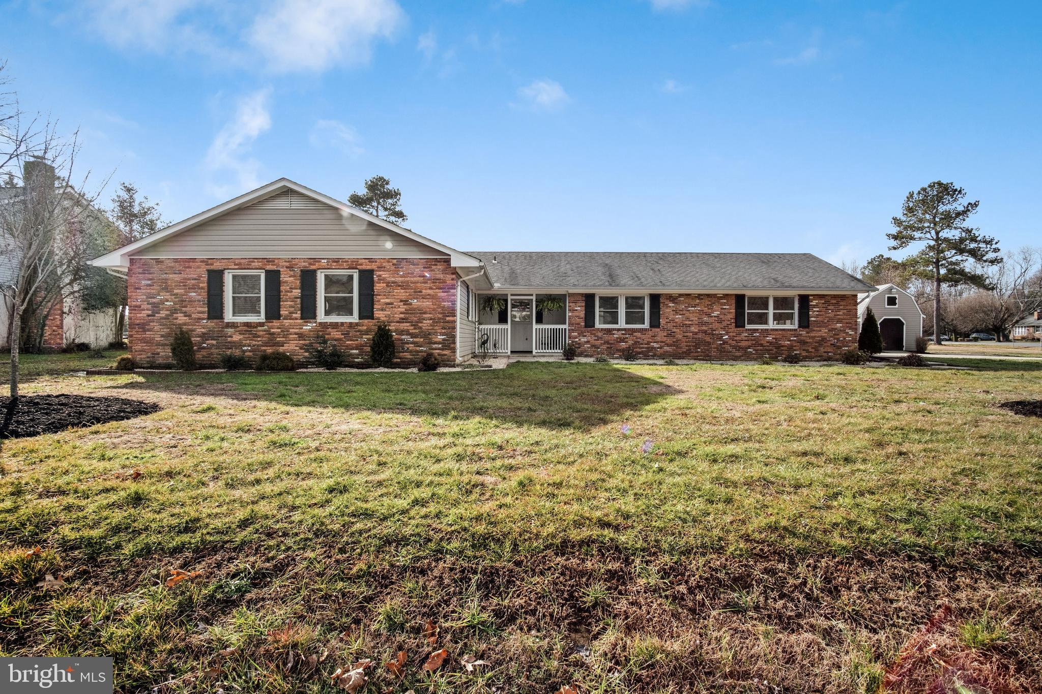 Wonderful 3 Bedroom 2 Full Bath rancher located in the quiet friendly Bennet Point Community!  Large