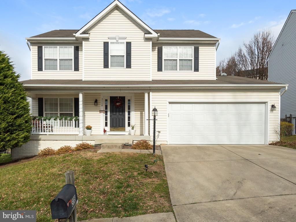 Don't miss this gorgeous 4 bedroom / 3.5 bath Colonial in the sought after community of Southbridge!