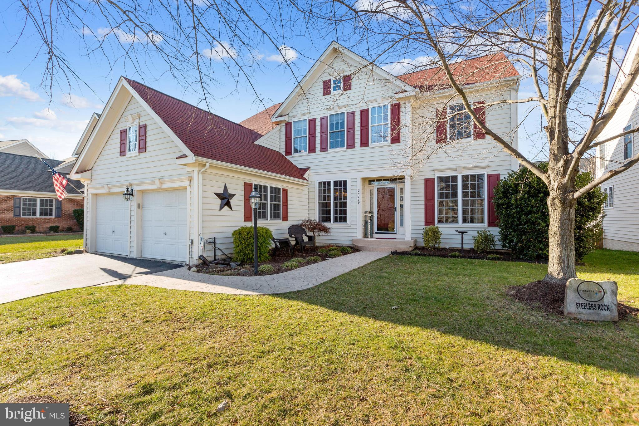 Spectacular home in the Heart of one of Loudoun County's most sought after subdivision, Stone Ridge.