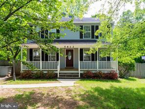 Beautiful Colonial in Dale City!!! Lovely Front Porch! 3 bedrooms, 2 full baths, 2 half baths, New c