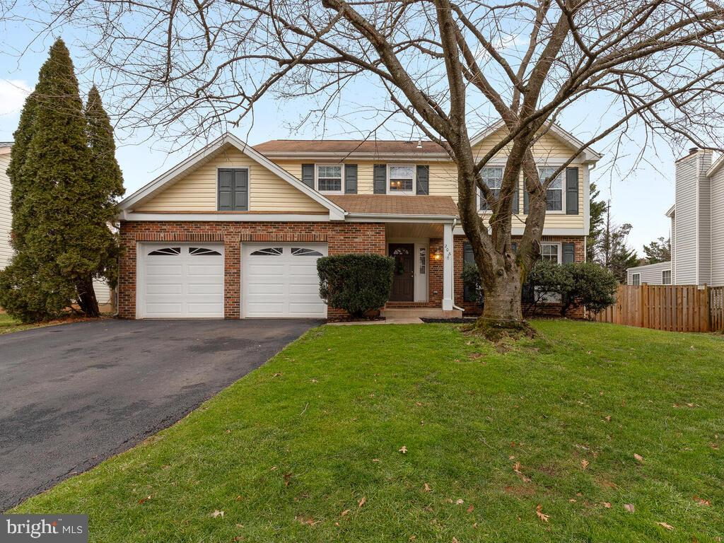 Coming soon. Beautiful, spacious and updated single in Seneca Chase.  Shows very well with a private