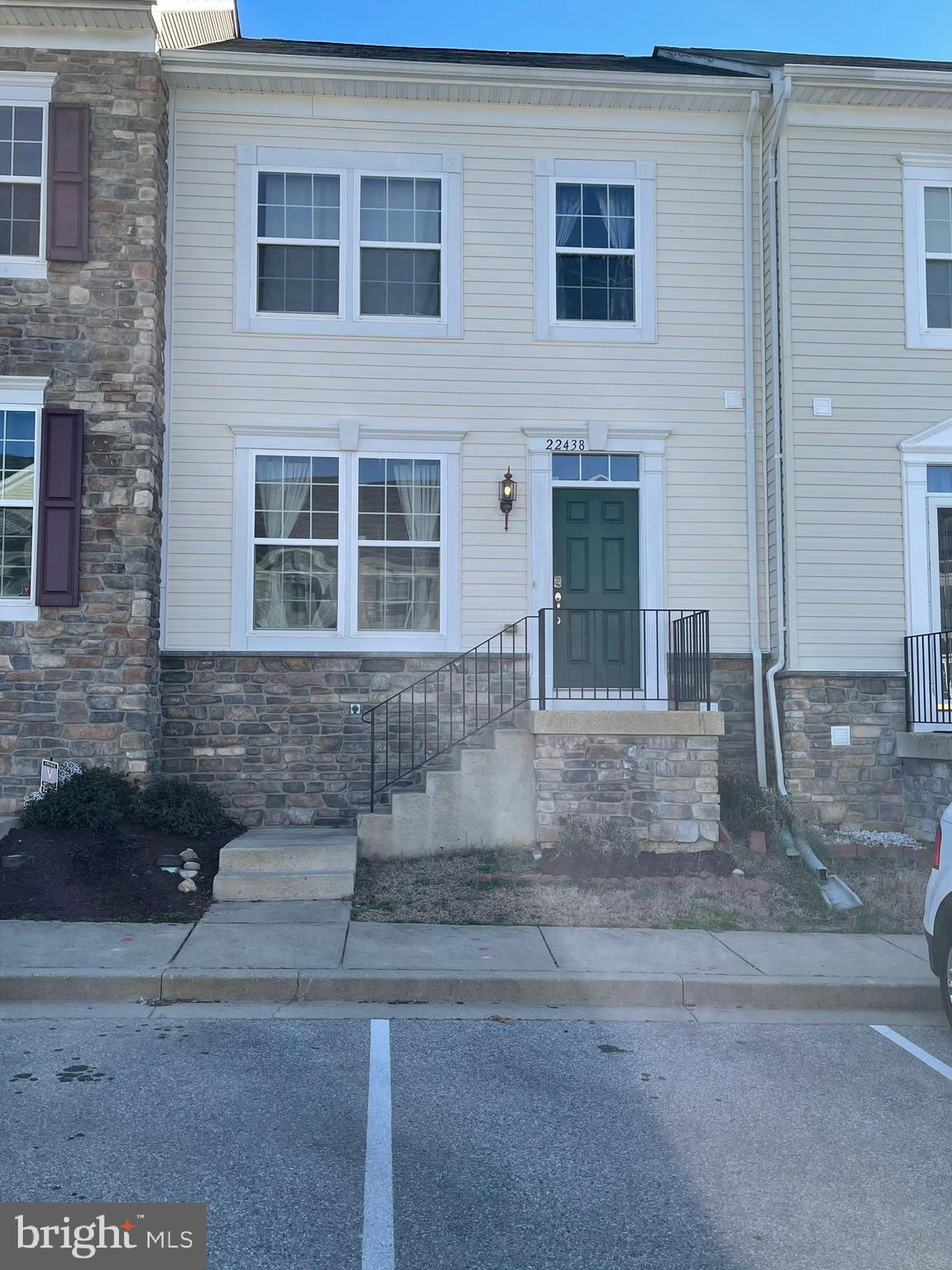 Spacious townhome in Clements Woods! Enter into large living room. Open concept kitchen, family room