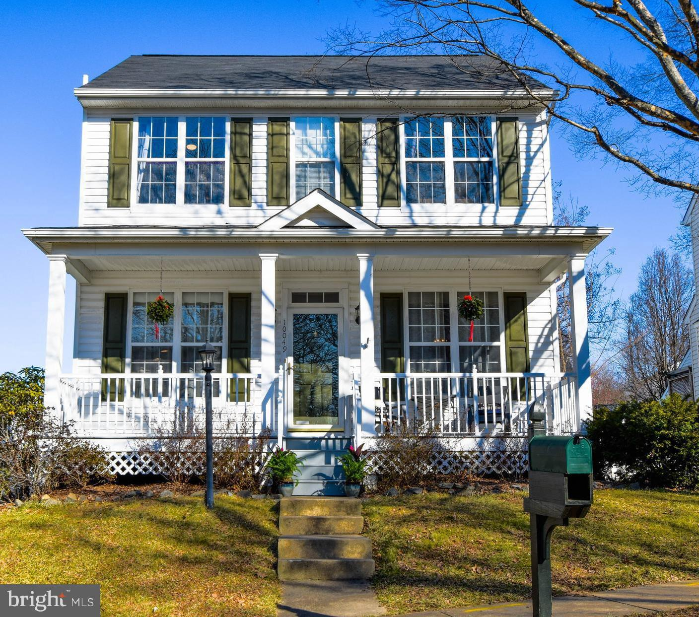 Welcome home to The Villages of Saybrook. A beautiful 3 bed, 2.5 bath single family home sits just b