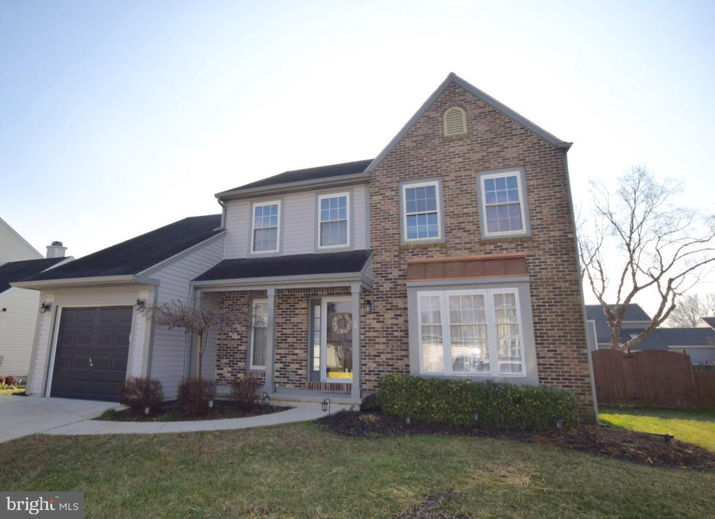 This gem is ready for it's new home owner.   Wonderfully maintained.  Featuring an adorable front po