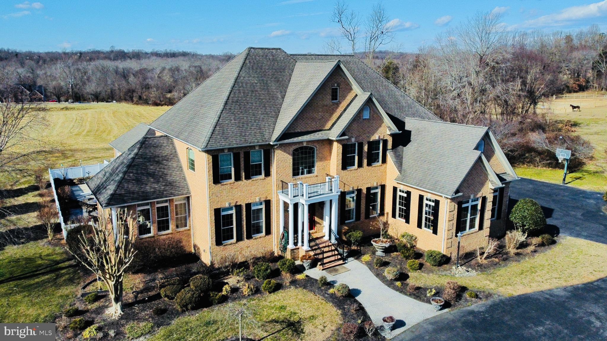 Simply Amazing! Luxury home w/ beautiful country setting but close enough to get to amenities in 5-7