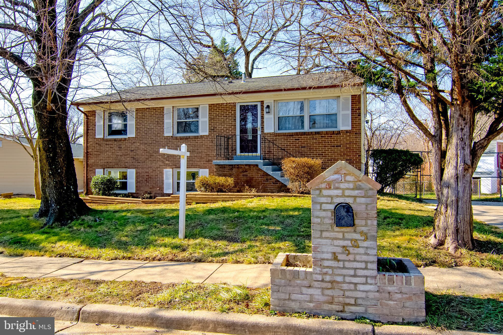 Gorgeous Two level Finished home, 4 Bedrooms, 2 Full Bathrooms in Dale City.  Fully renovated White