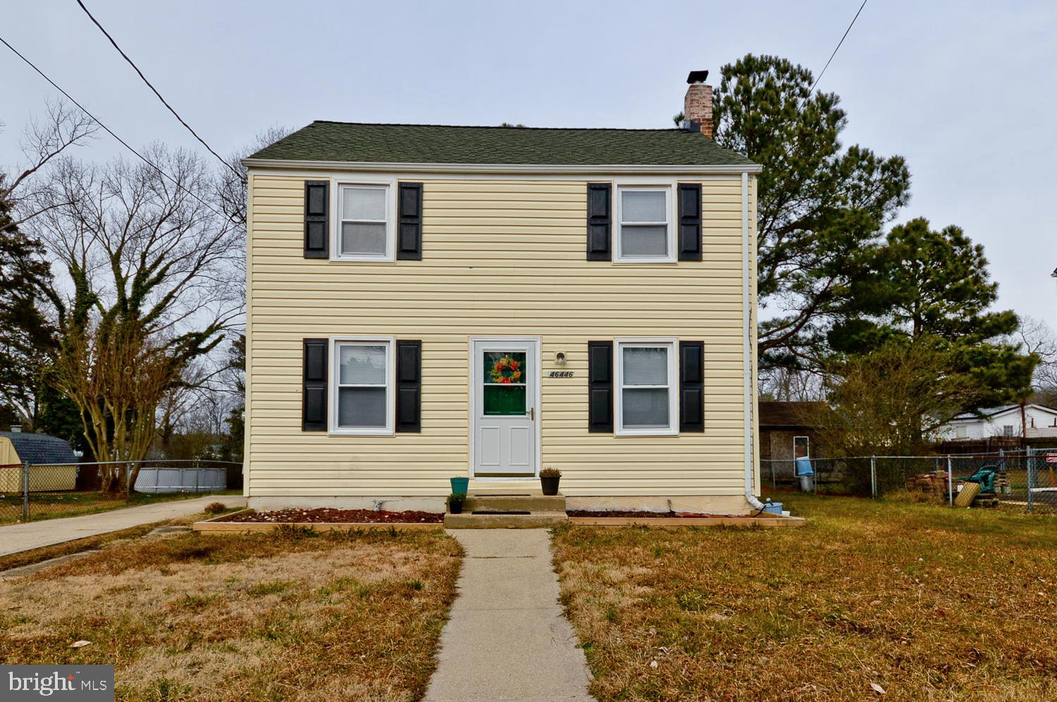 Property is being sold AS IS.  Very well maintained - minimum wear and tear. Move-in ready. Laminate