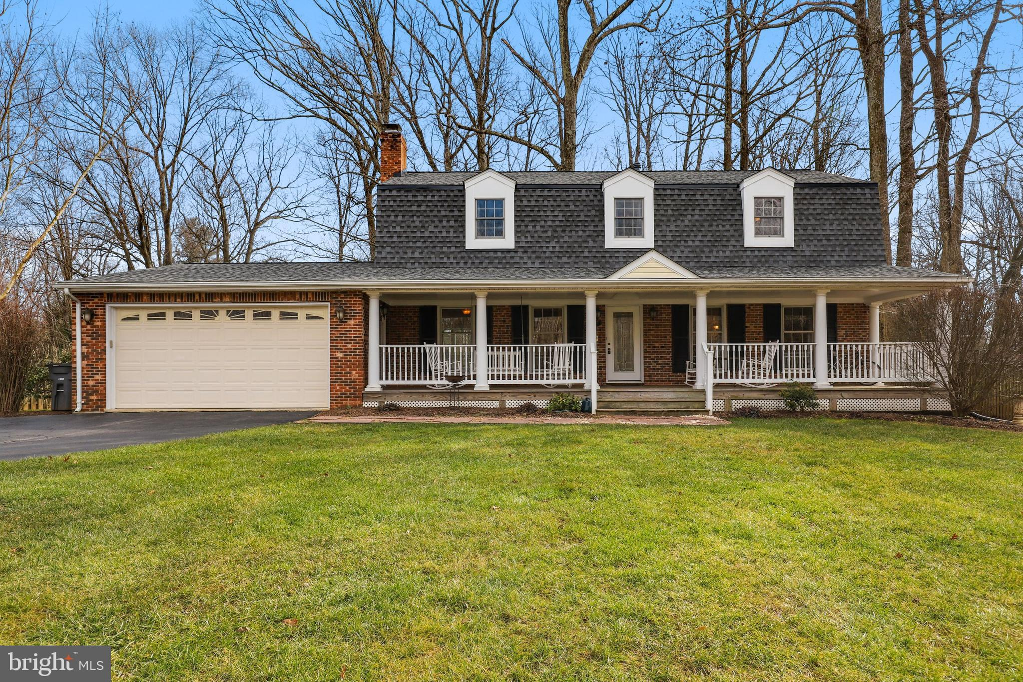 Oakton living at its very best! Here is your chance to own this tastefully updated and lovingly main