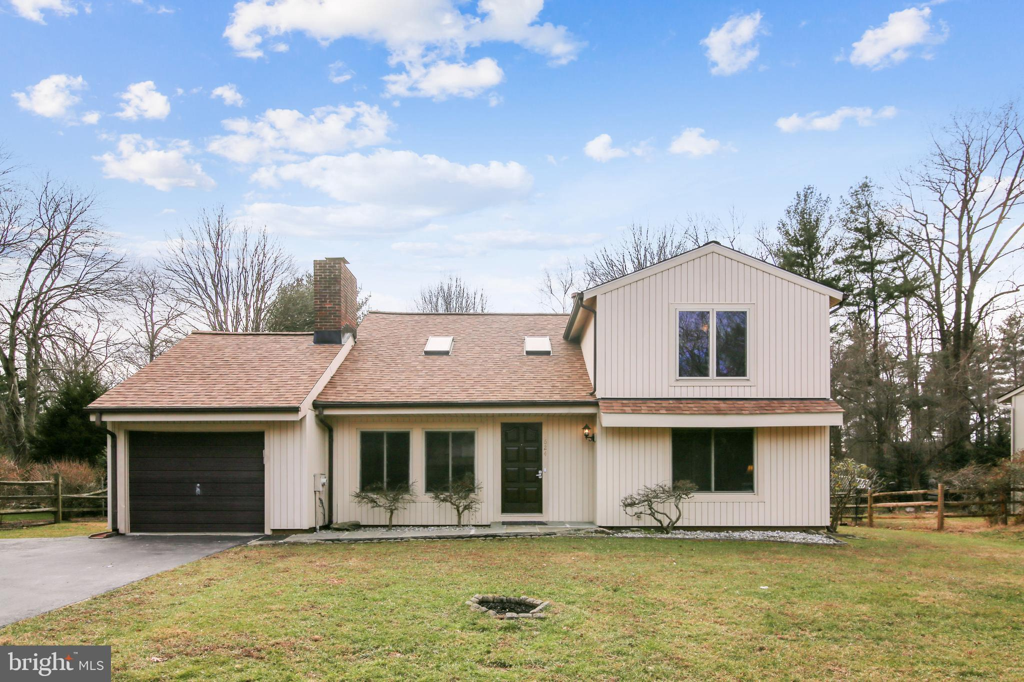 OPEN HOUSE 1-4PM ( 01/24)  A truly amazing renovated 2,293 sq. ft. single family home  w/ Garage  Bo