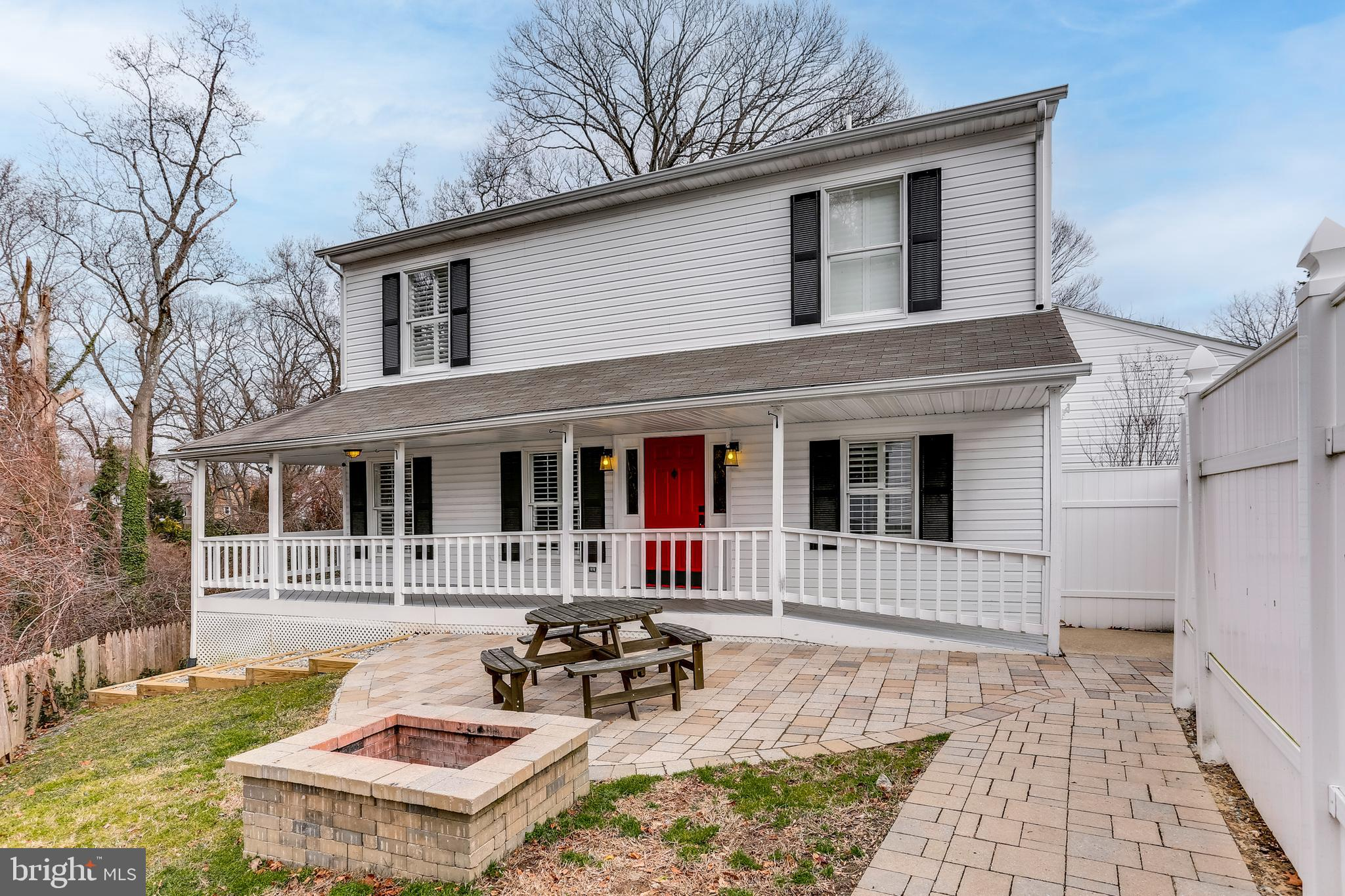 Totally renovated and ready to move in!!!  Coveted Broadneck school district: Belvedere Elementary,