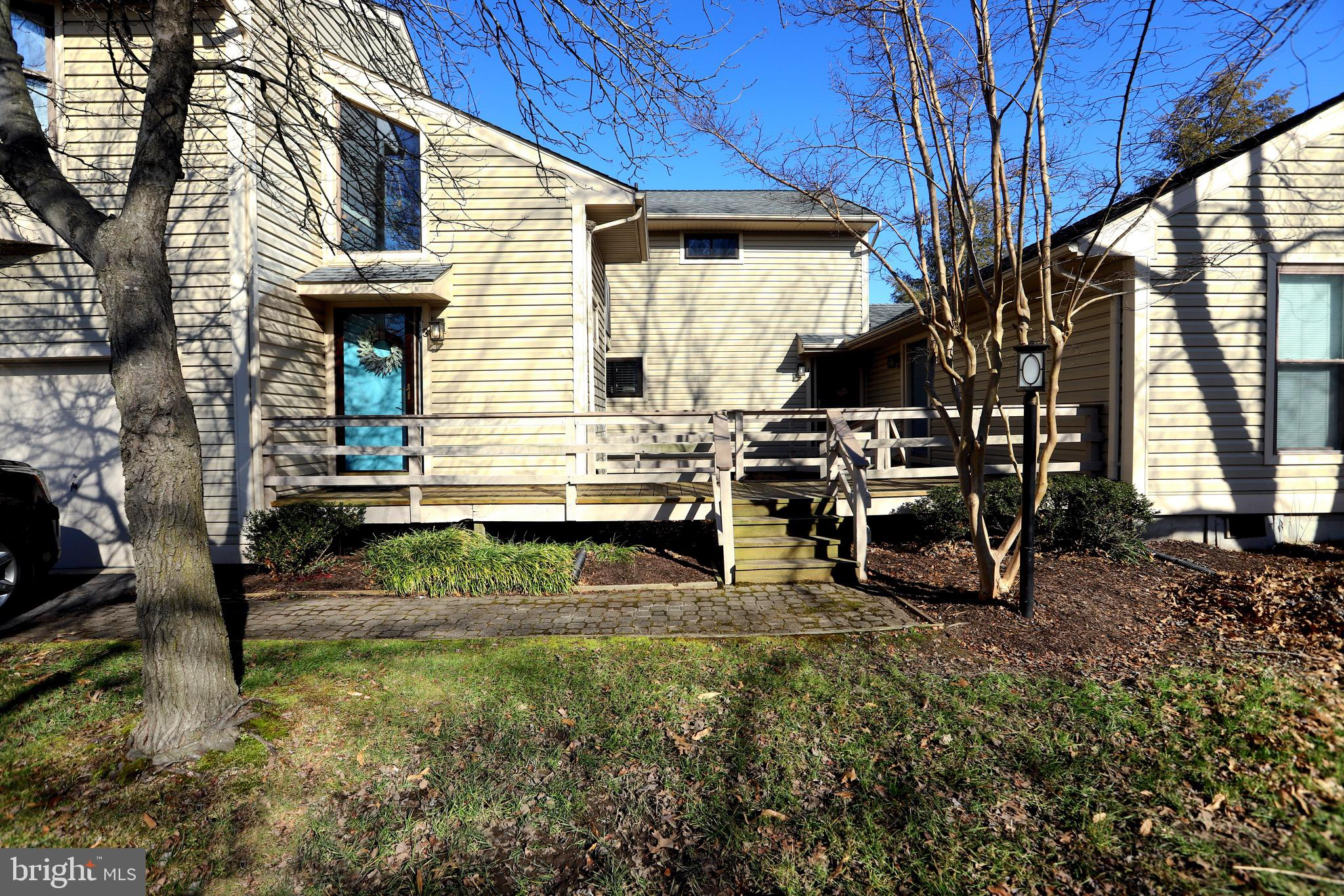 Eastern Shore living at Kent Cove!  Shows like a model!  The kitchen and bath have been updated.  Li