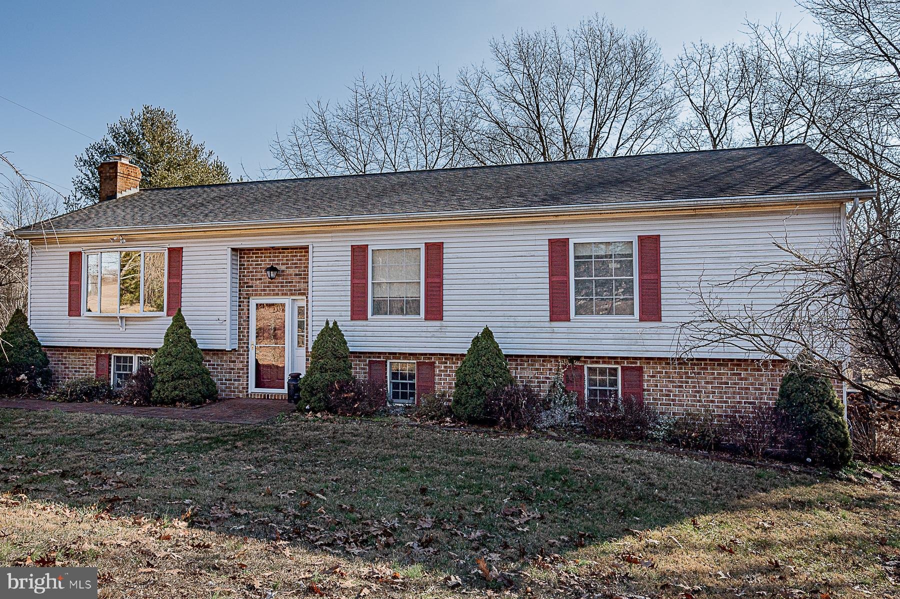 Well Maintained 2 level Home on over an Acre w/ Beautiful Surrounding Views! Main level features  in