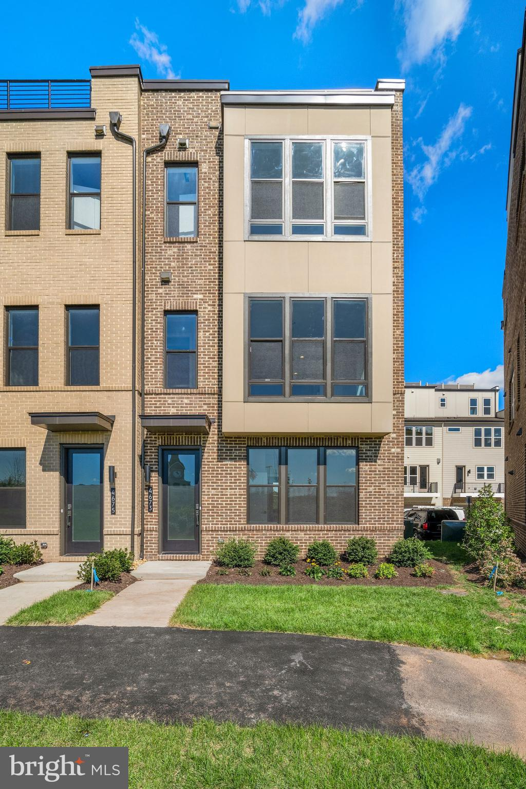 Move in Fall 2021! Situated within steps of shopping and dining, this end unit town home is all abou