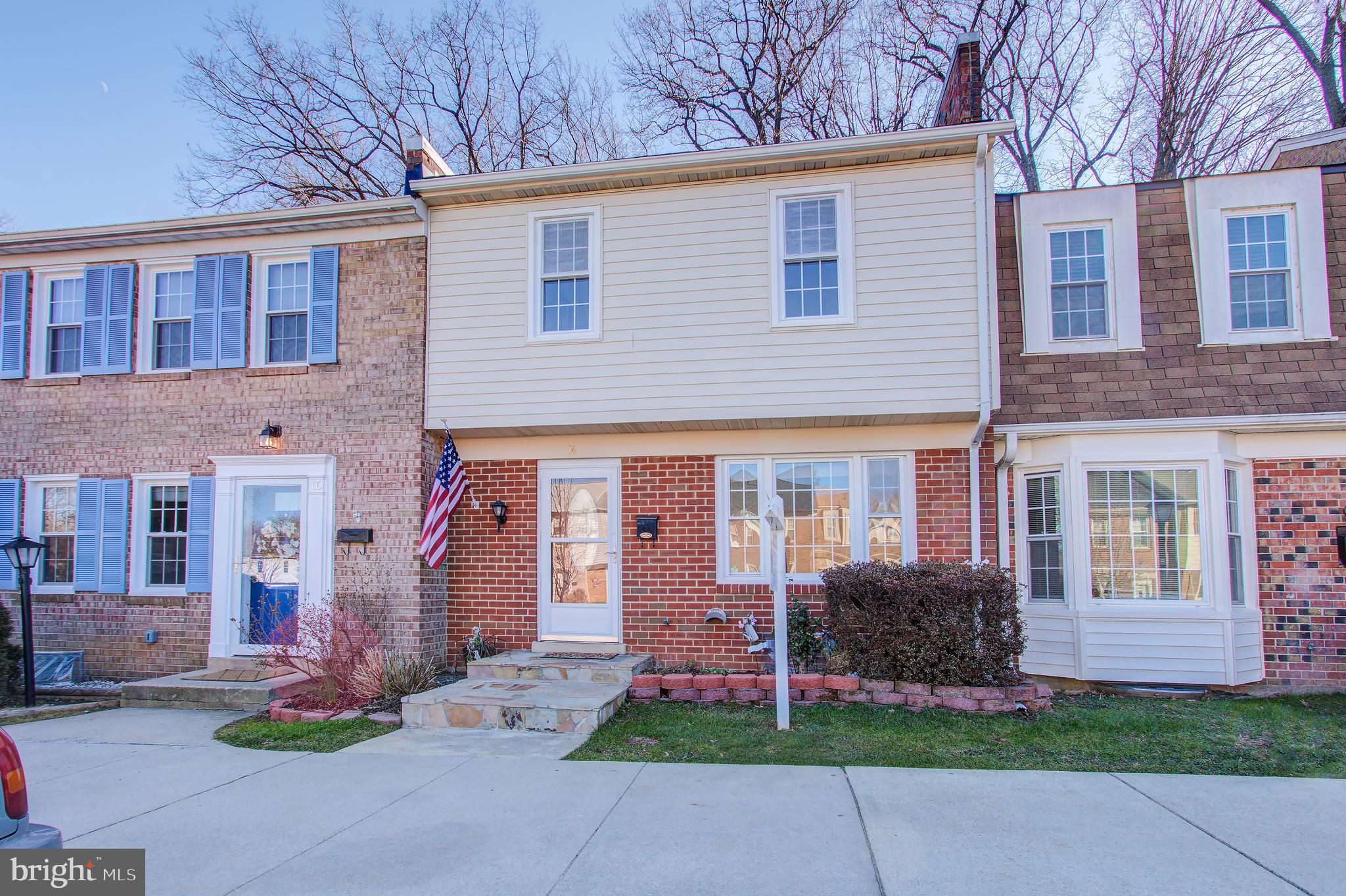 Updated 3BR, 2.5 BA condo townhome with fantastic updates including HVAC, hot water heater, Brazilia