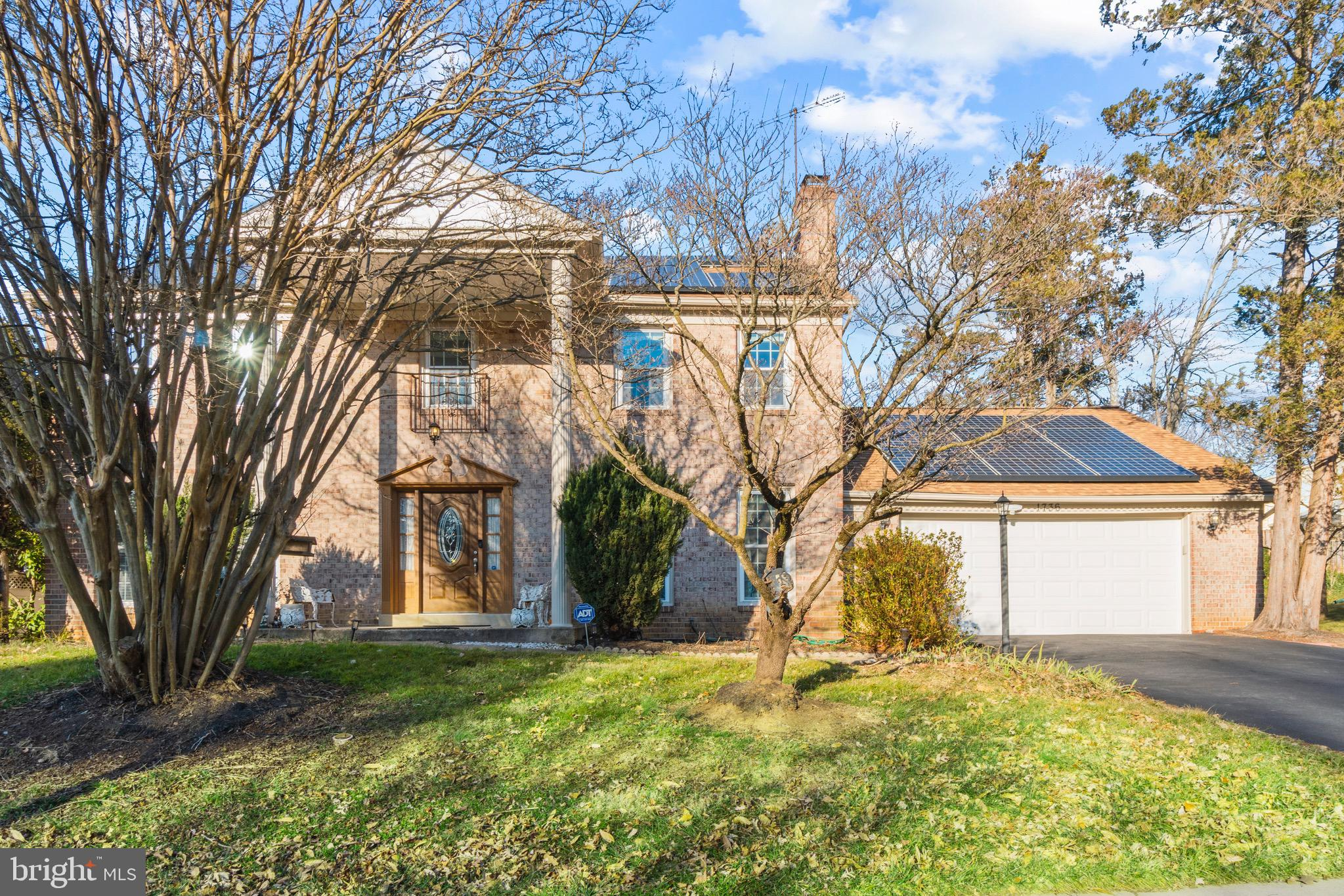 This is the one you've been waiting for, Welcome to 1736 Crestview Dr! Easy access to I270, Wootton