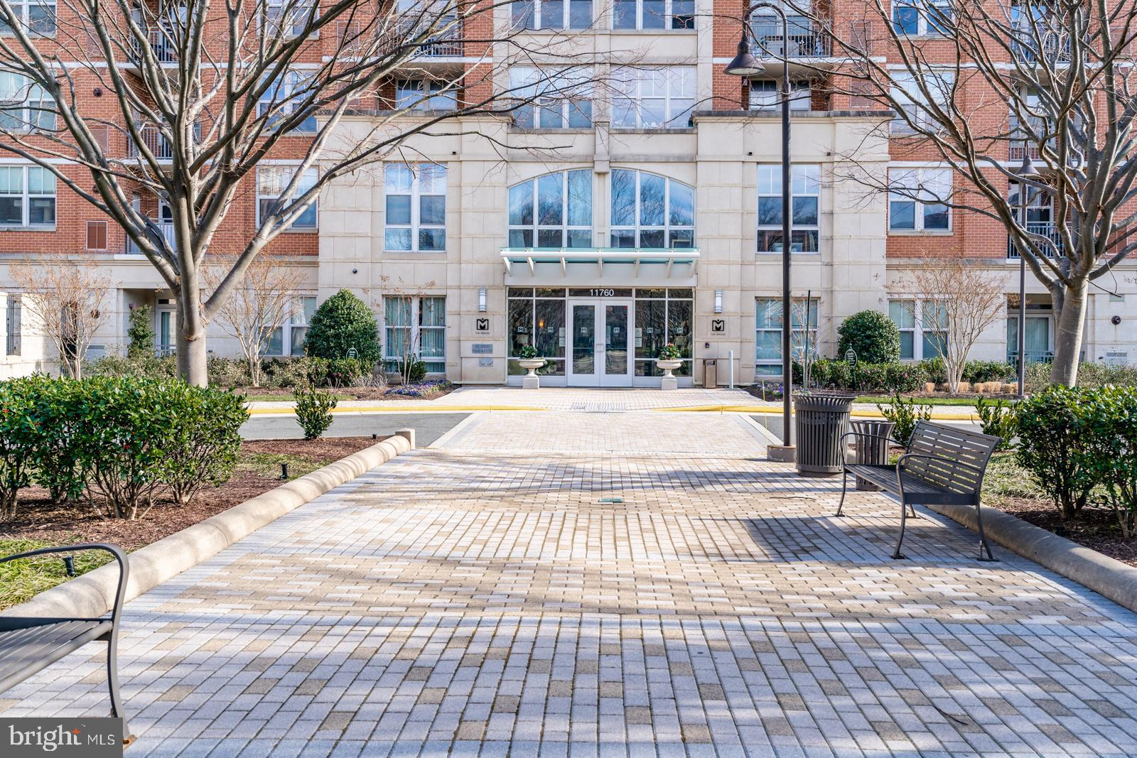 Mercer condo in Reston, 2 beds 2 full baths with 2 parking spaces, and extra storage, New Paint, and