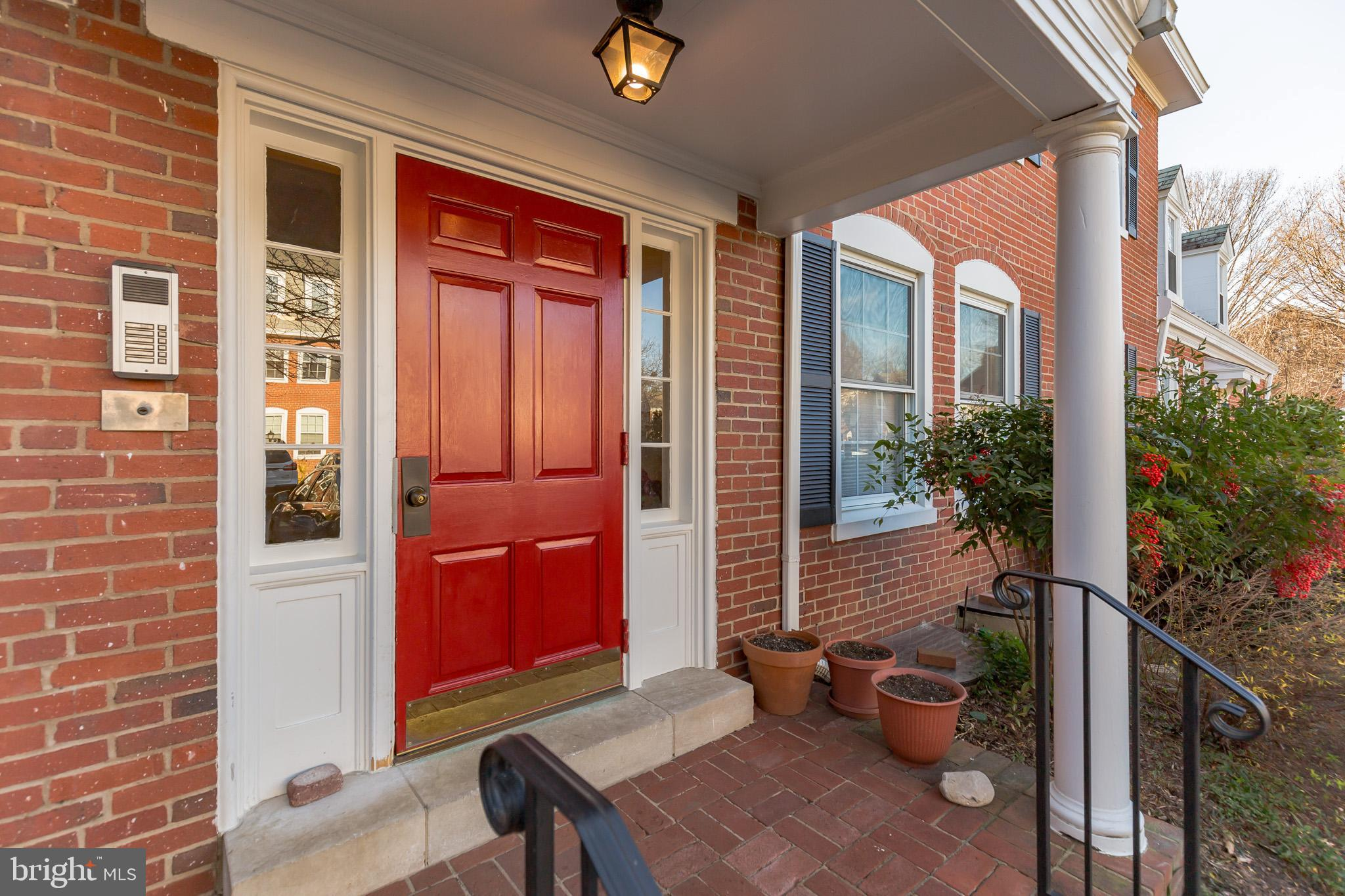 Welcome home!  Meticulously maintained top floor Braddock model has been newly painted from top to bottom, also including fresh hardwood gloss, upgraded kitchen, and washer/dryer in unit.  Bus stop is steps from the front door, and so is the pool!  Enjoy all of the amenities and attractions of Fairlington!