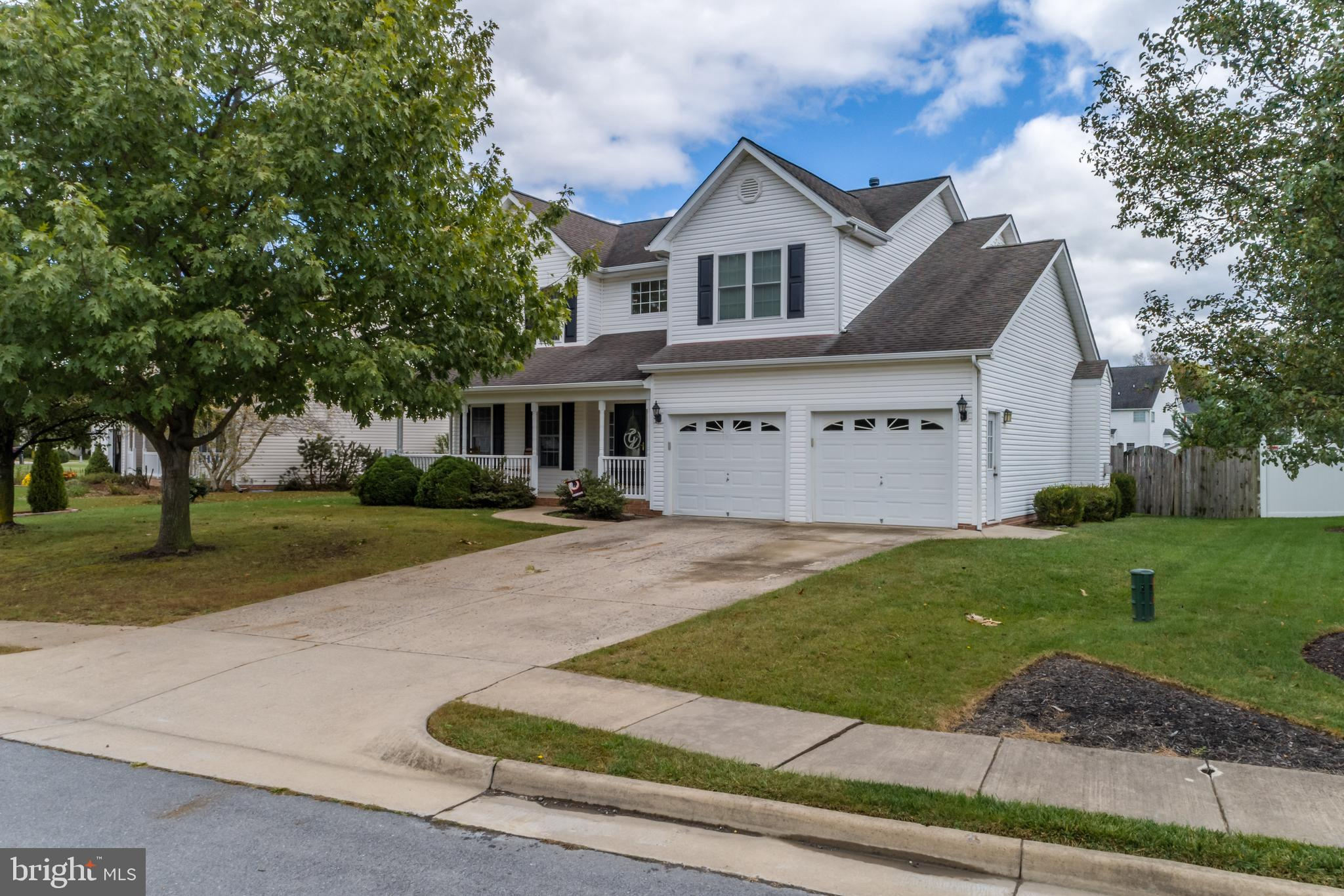 Beautiful colonial home located in Canter Estates; features include:  16x38 inground pool; 12' x 12'