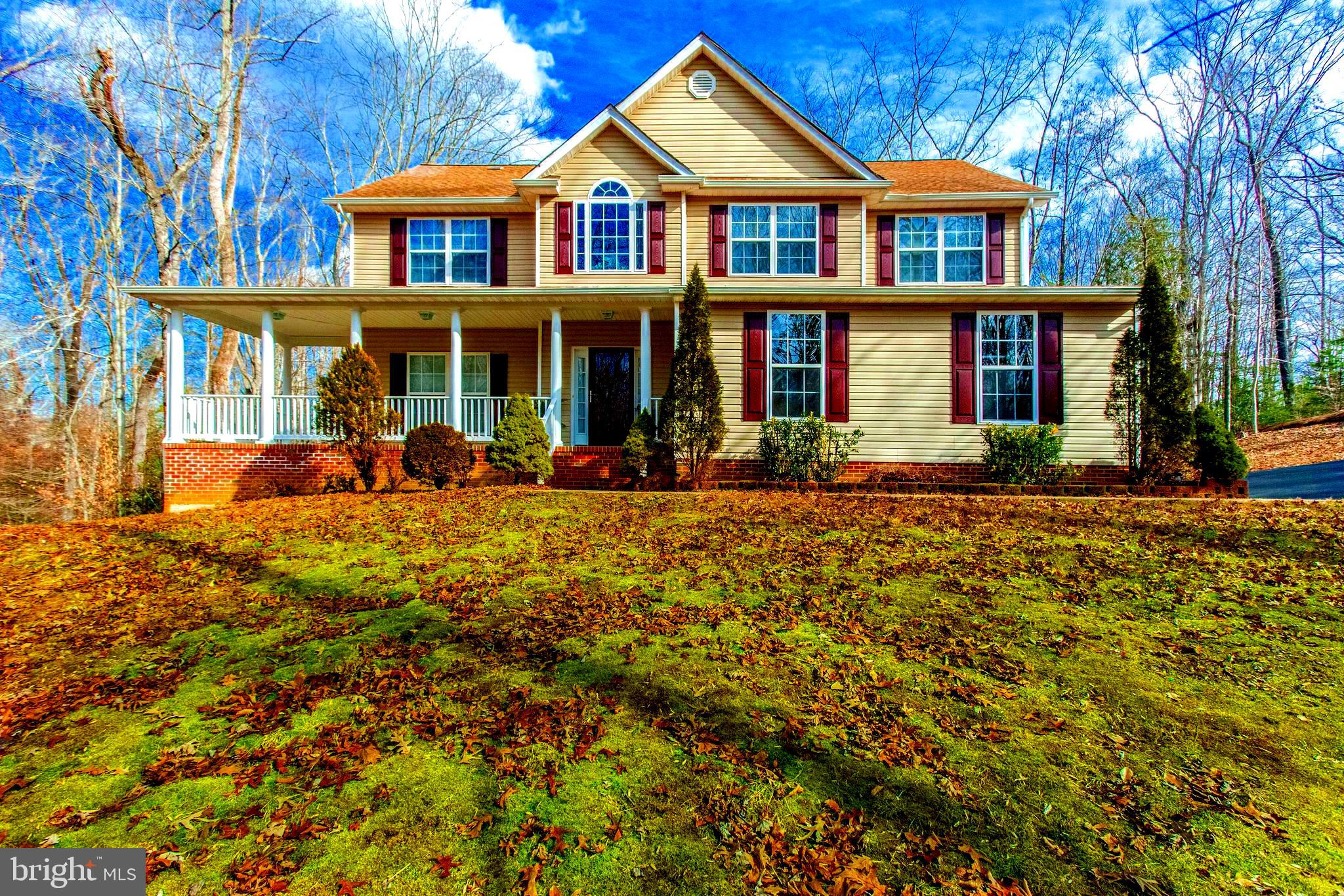 This beautiful colonial is ready for new owners! Floor plan allows for easy movement for entertainin