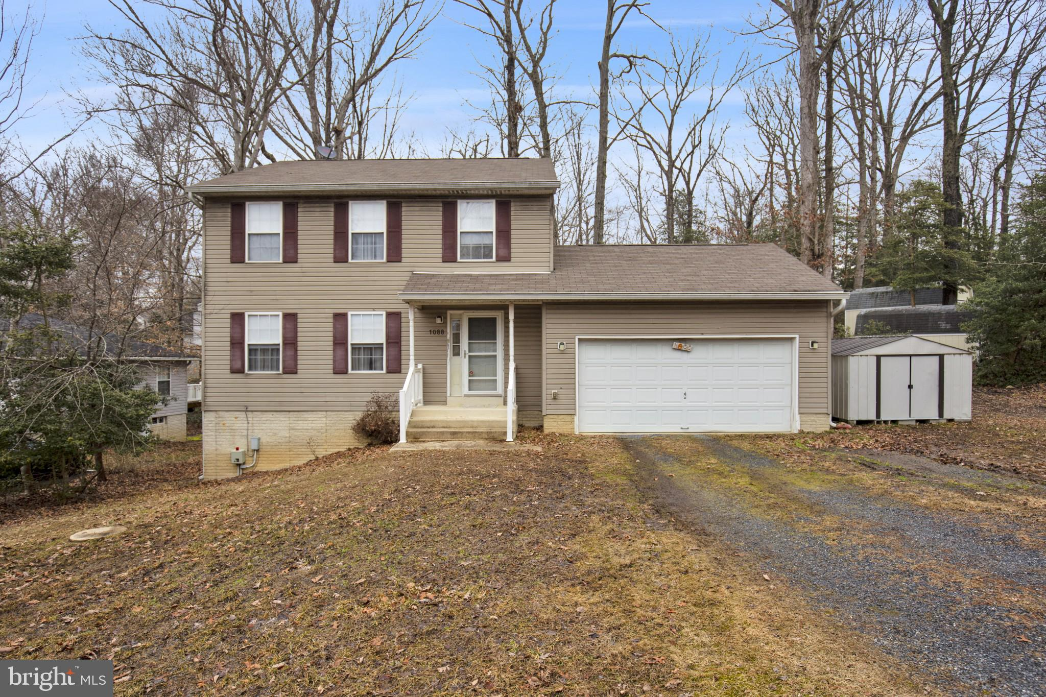 This beautiful colonial on a quiet cul-de-sac has 3 large bedrooms and 2 bathrooms (including the pr