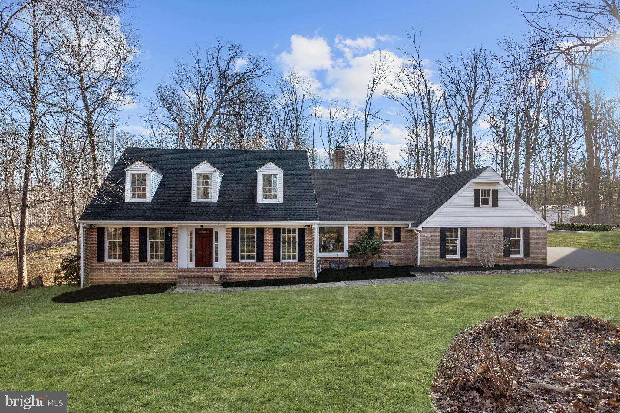 ** PENDING RELEASE***Beautiful Cape Cod style home on nearly one-acre boasting hardwood floors, crow