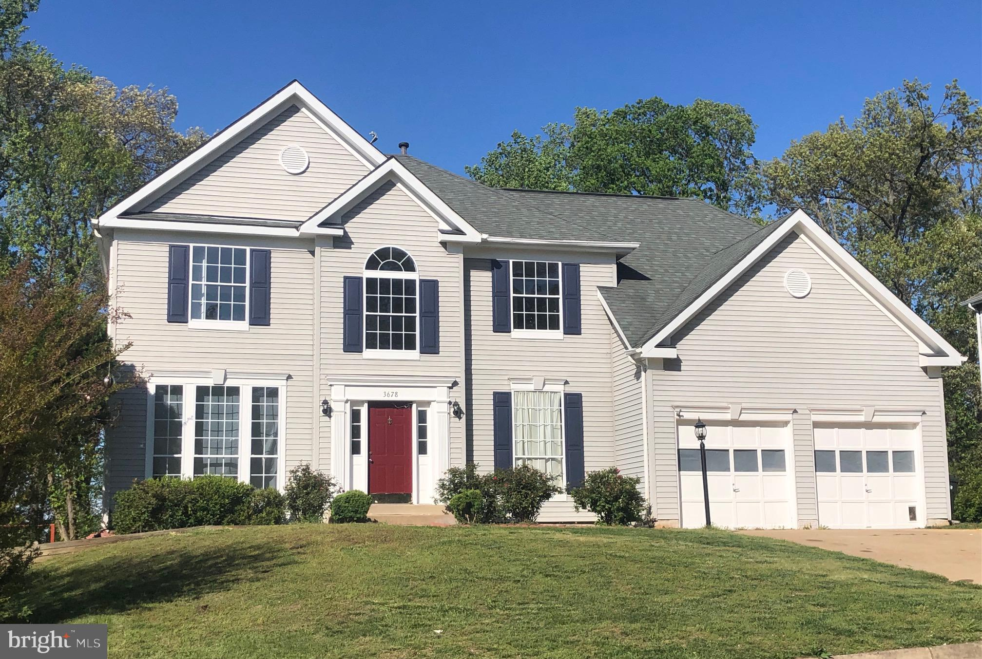 Fabulous curb appeal in this bright, spacious, recently updated home.  Relax in the wide open family