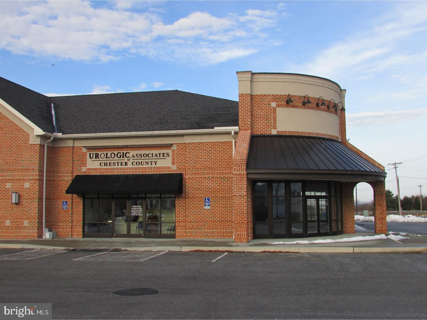 The Shoppes of Lower Oxford consists of a free-standing retail/office inline and 3 retail pad sites. This site is highly visible from US1 and has convenient on/off access from US1 via PA10. The Traffic Counts are 9K+ AADT. This 918sf suite was most recently utilized as a medical office. Neighboring Tenants include: Ducklings Early Learning Center, Oxford Dental Associates, BB&T Bank and Mavis Tire & Auto Center. This site is 0.1 mile from the WalMart SuperCenter. WalMart Center. Traffic goes past the Shoppes of Lower Oxford when entering from US1 and exiting via US1. Site visible from US-1. Triple-Net Lease. Negotiable Term.