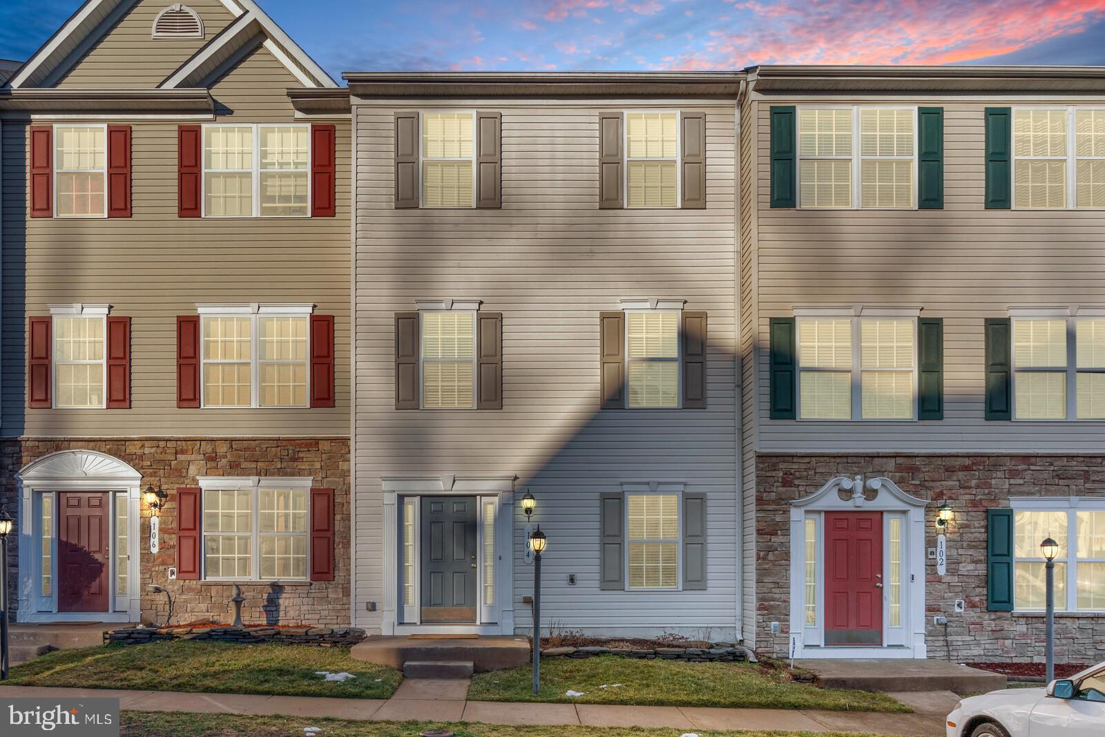 Welcome to 104 Clearwater Ct. This well-maintained townhome is located in sought-after Port Aquia &